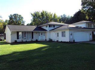20775 Sandalwood Ln , Strongsville OH