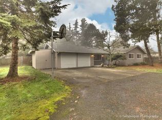 8600 SW Crystal St , Portland OR