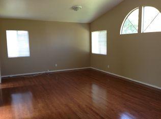 13702 Rossburn Ave , Hawthorne CA