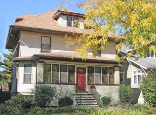1025 S Kenilworth Ave , Oak Park IL