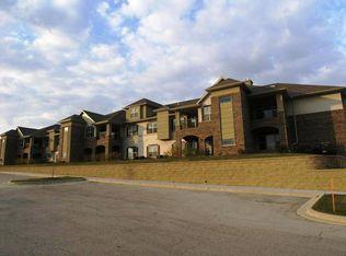 2849 W Drexel Ave Unit 618, Franklin WI