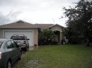 1035 Grove Dr , Naples FL