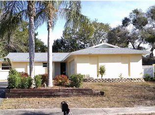 1105 Gulf Oaks Dr , Tarpon Springs FL