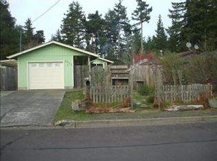 2055 11th St , Florence OR