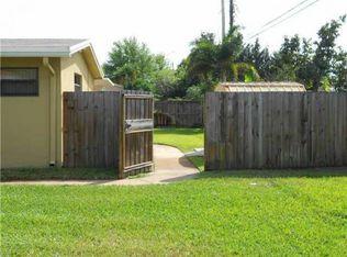 561 Beachwood Ln , Plantation FL