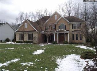 9367 Chesapeake Dr , North Royalton OH