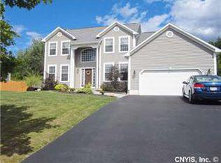 7 Scottsridge Cir , Baldwinsville NY