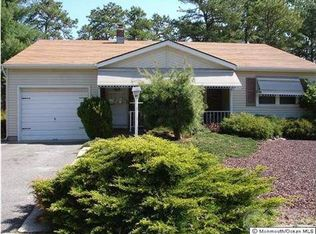 15 Millbrook Ct , Toms River NJ
