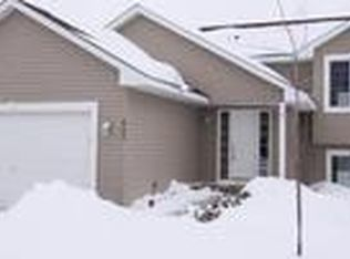 402 Rodeo Dr NW , Isanti MN