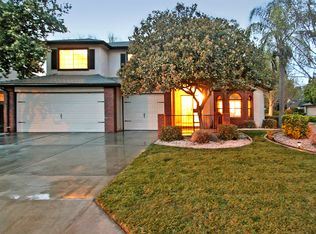 1202 E Richmond Ave , Fresno CA