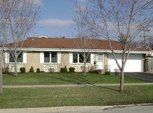 823 Clark Ln , Des Plaines IL