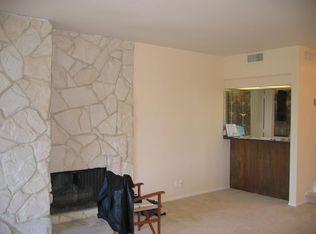 5330 Yarmouth Ave Unit 215, Encino CA