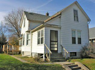 1710 N Howell St , Davenport IA