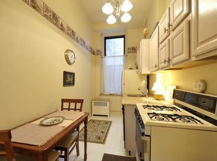 305 W 72nd St Apt 1B, New York NY