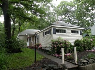 23 Burroughs Rd , North Reading MA