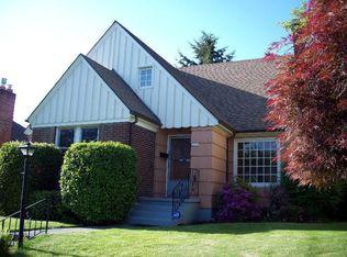 2035 SE Sherman St , Portland OR