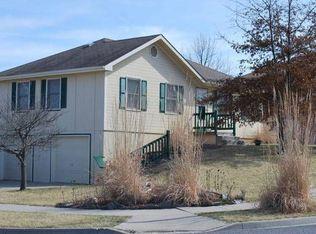 7529 N Stark Ave , Kansas City MO