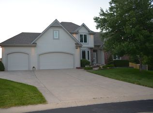 17906 Fall Dr , Independence MN