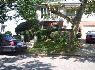 558 Cedarwood Dr , Cedarhurst NY