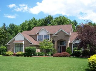 4 Woodfield Dr , Webster NY