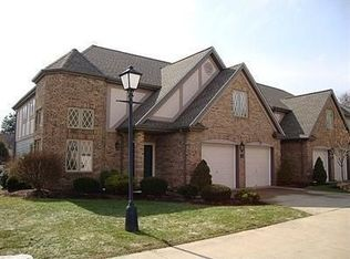 15 Aberdeen Ct , Rocky River OH