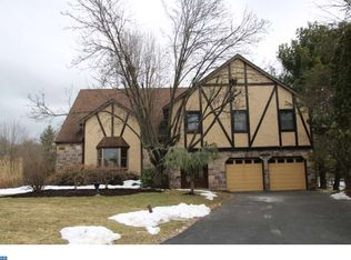 158 Colonial Dr , Newtown PA