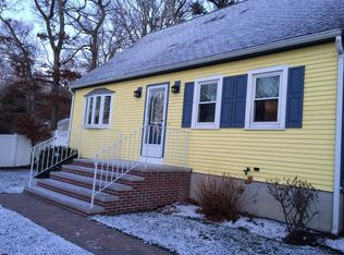 21 Hyannis Rd , Plymouth MA