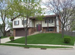 6733 Cherrytree Ave , Woodridge IL