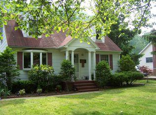 1453 Roanoke Ave , Riverhead NY