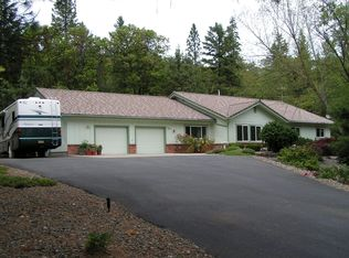3350 Campus View Dr , Grants Pass OR