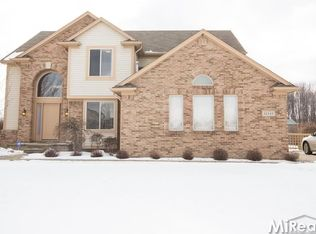 31147 Lions Pointe Dr , Chesterfield MI
