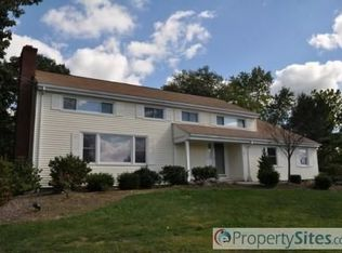 31 Clover Hill Dr , Poughkeepsie NY