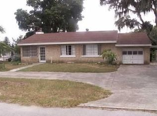 111 E Cedar St , Howey In the Hills FL