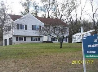 17 Town View Dr , New Milford CT