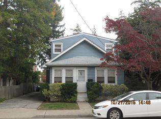 221 California Ave , Uniondale NY