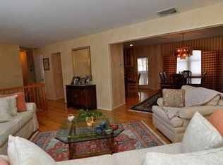6 Victoria Pl Monsey Ny 10952 Zillow