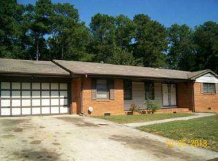 573 Lance Ln , Riverdale GA