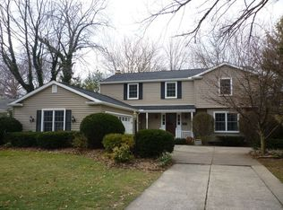570 Marygate Dr , Bay Village OH