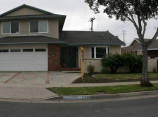 10042 Valley Forge Dr , Huntington Beach CA