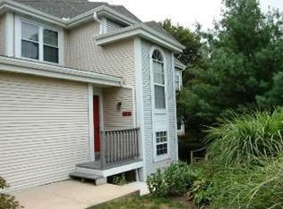 504 Country Place Dr , Lancaster PA