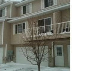 1567 County Road D E Unit H, Maplewood MN