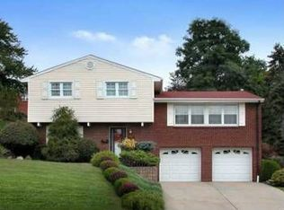 1304 Blue Jay Dr , Pittsburgh PA