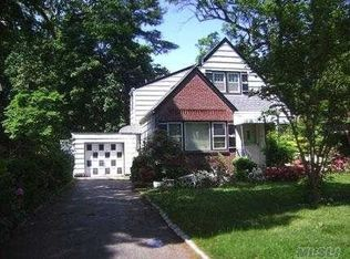 87 Jefferson Ave , Roslyn Heights NY