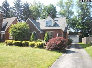 81 Clifton Dr , Youngstown OH