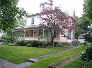 28 Marion Pl , Saratoga Springs NY