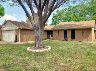 2227 Honey Creek Ln , Arlington TX