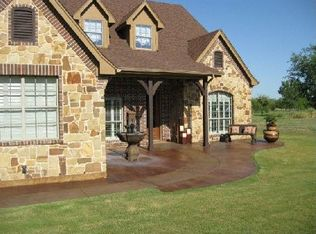 1045 Crown Valley Dr , Weatherford TX