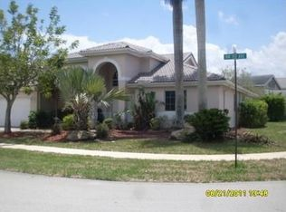 960 NW 197th Ave , Pembroke Pines FL