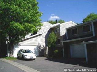 9134 Neill Lake Rd , Eden Prairie MN