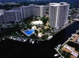 600 Three Islands Blvd Apt 1215, Hallandale Beach FL